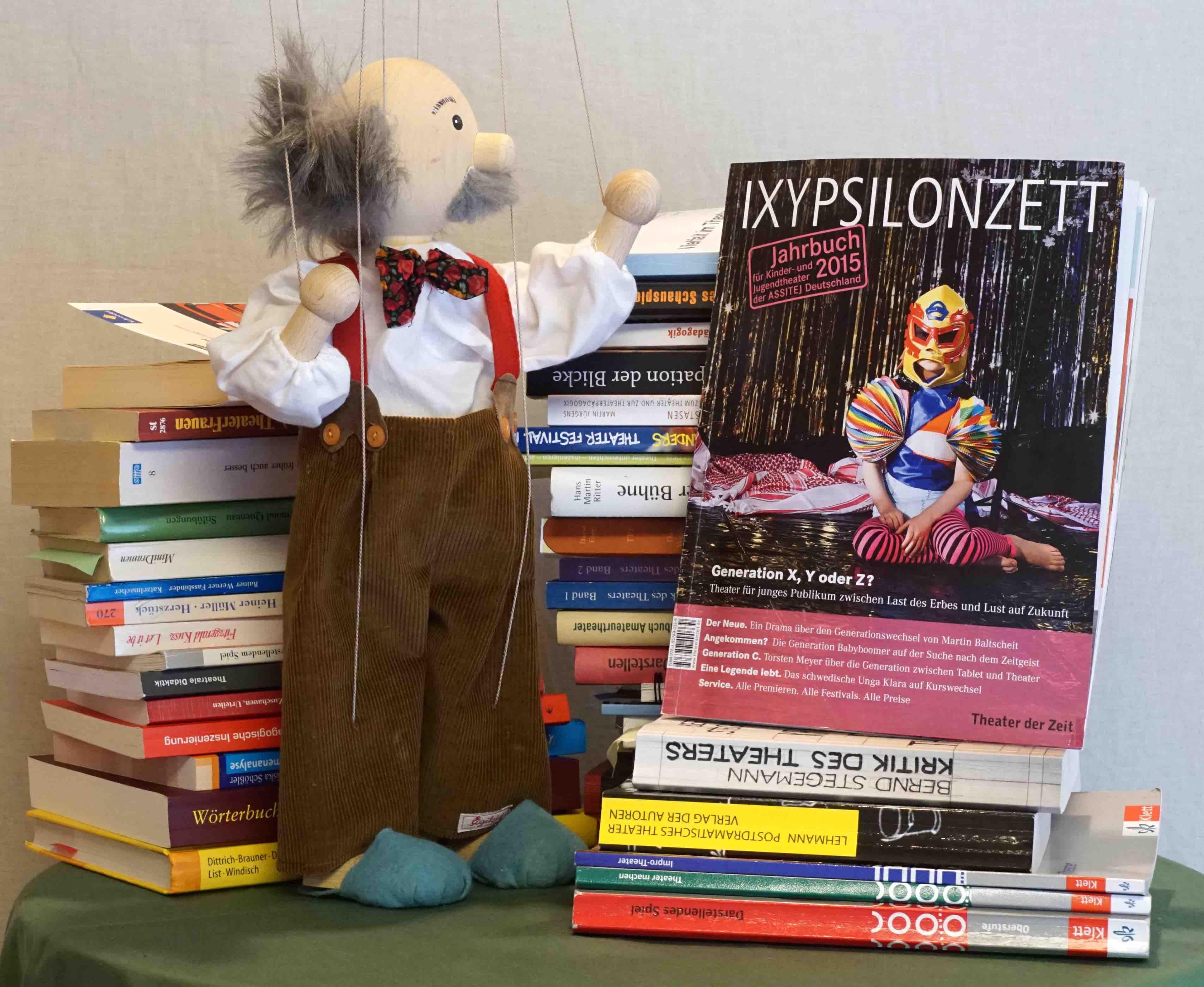 ASSITEJ (Hg): Jahrbuch 2015 für Kinder- und Jugendtheater – Rezension