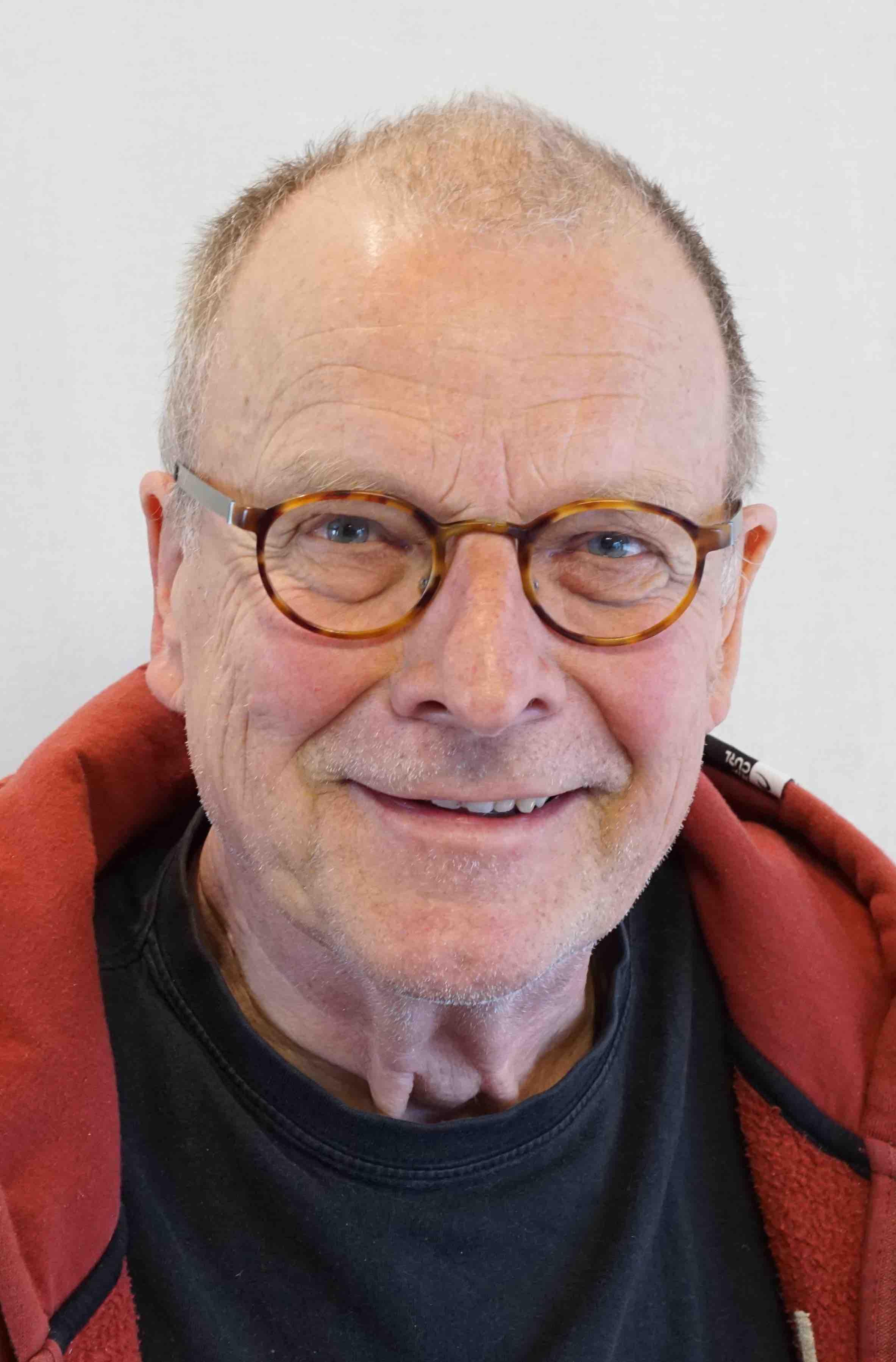 Roth-Lange, Friedhelm: Postdramatik im Theater-Unterricht (Interview)
