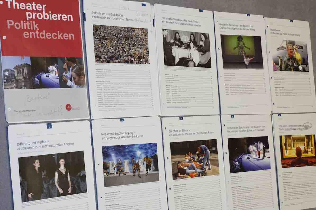 Bundeszentrale für politische Bildung (Hg)(2011): Theater probieren. Politik entdecken